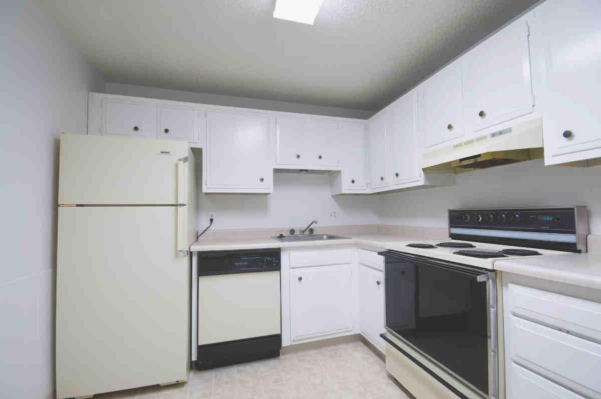Apartment Tour - Locust Park Apartments, Loveland, CO
